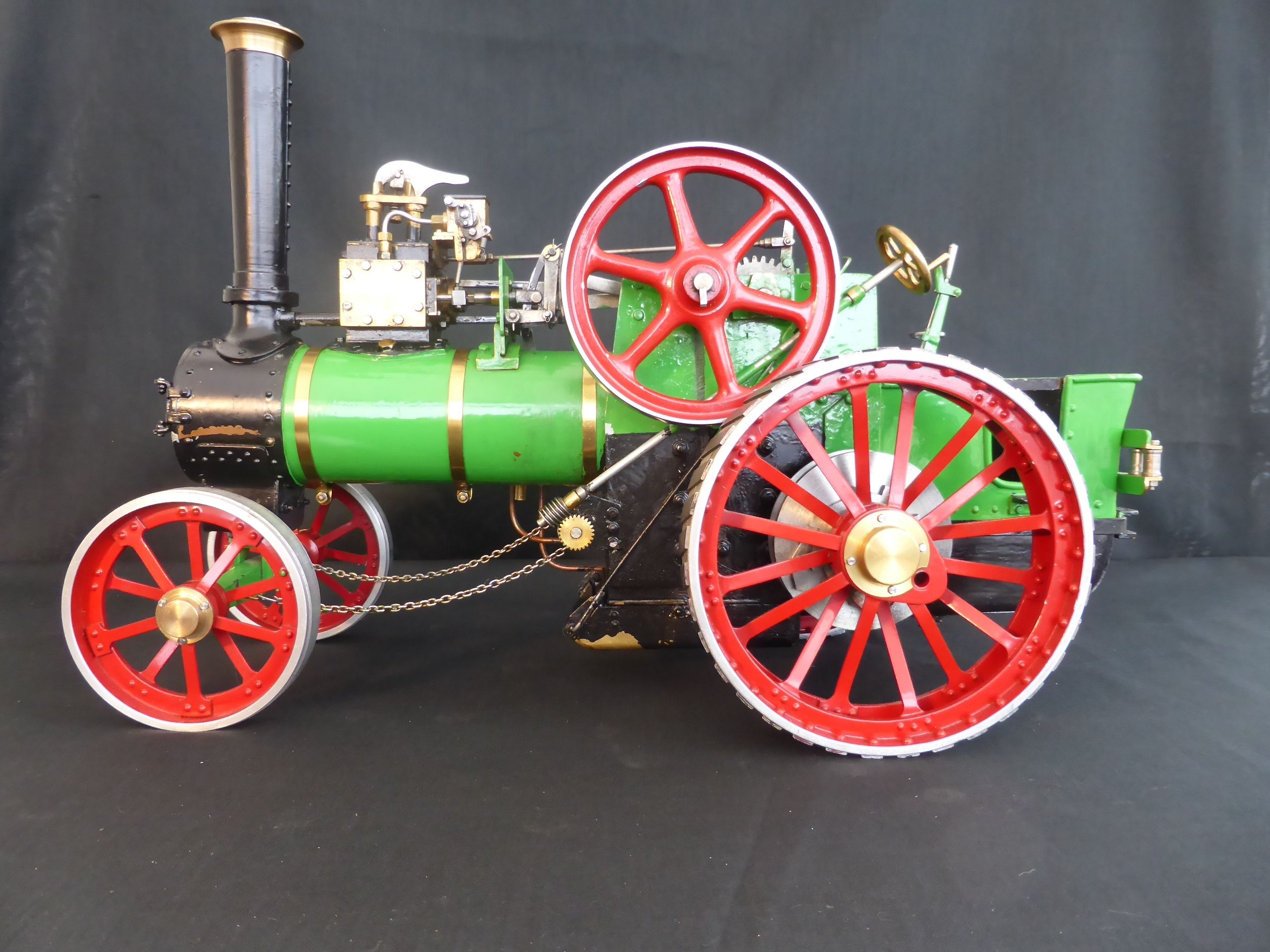 22 best MINIATURE STEAM ENGINES & BURRELLS images on Pinterest
