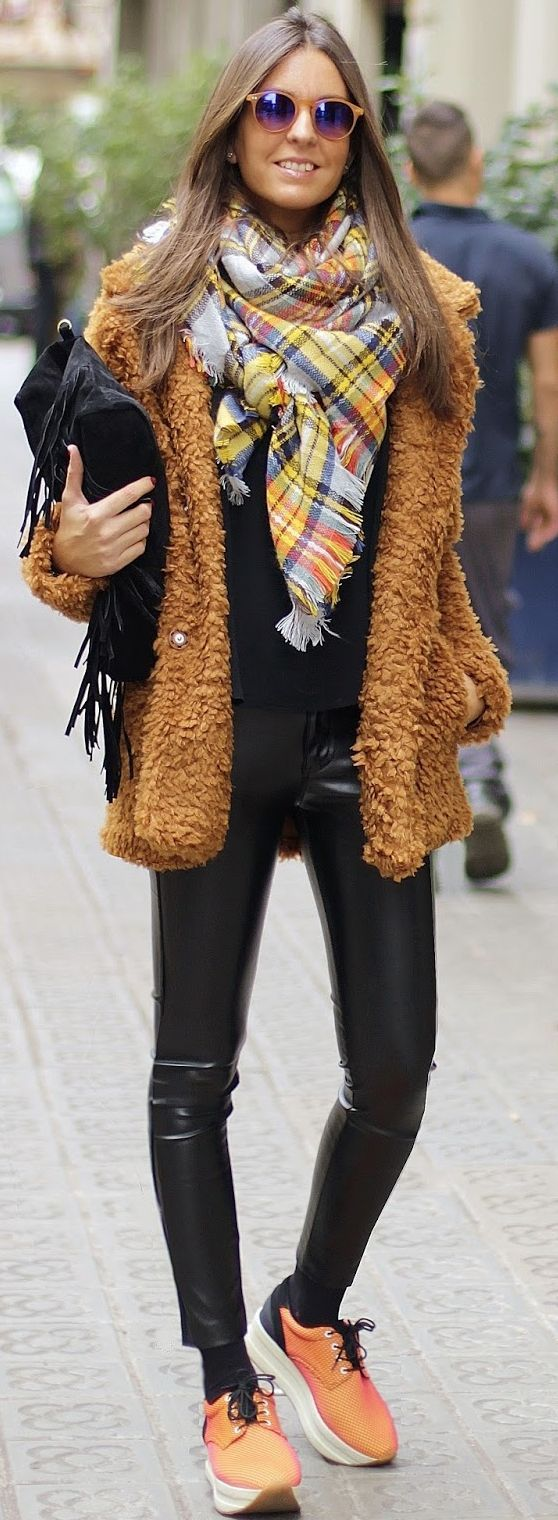 Camel Soft Furry Jacket Fall Streestyle Inspo by BCN Fashionista