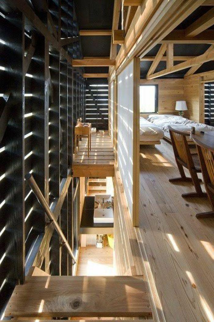 maison en bois clair, meubles d\u0027intérieur en bois, mur en bois noir
