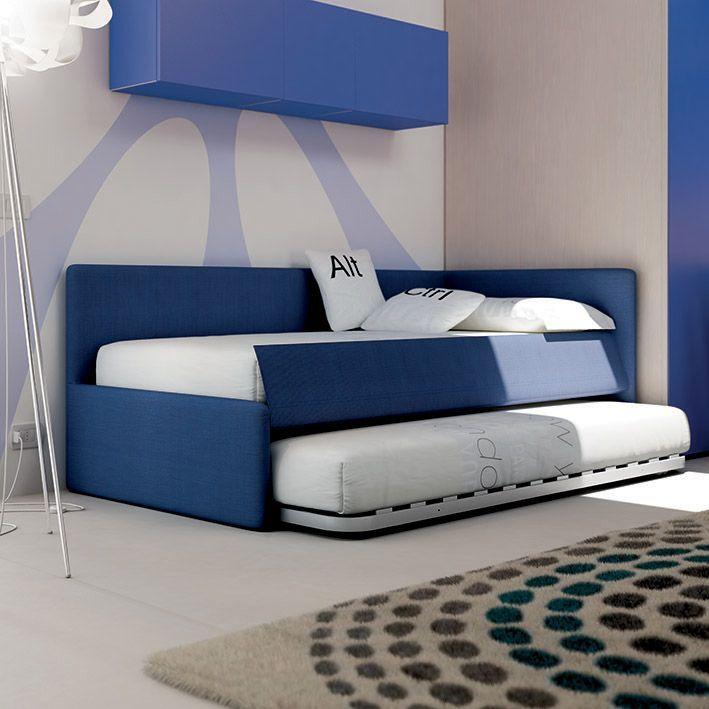 Divano bravo in tessuto blu con secondo letto estraibile for Letti e divani