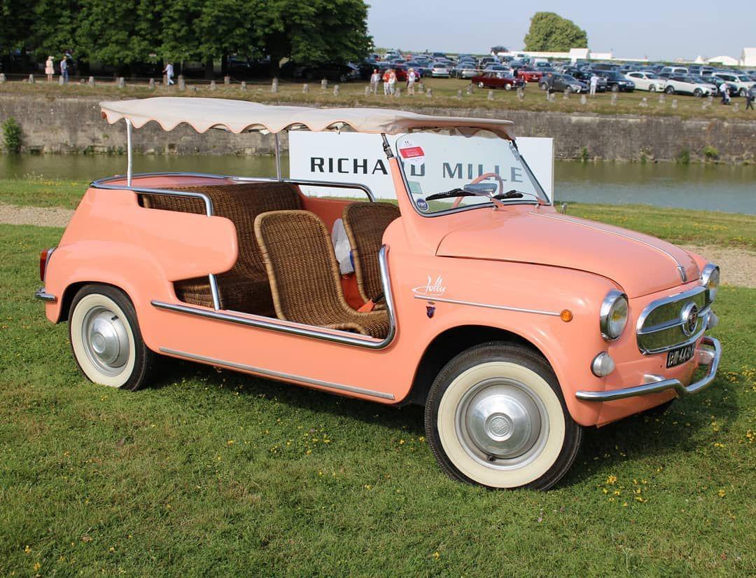 Fiat 600 Ghia Jolly . #fiat #600 #fiat600 #ghia #fiat600jolly #jolly #600jolly #fiatjolly #oldcar #italiancars #olditaliancar #smallcar #citycar #beachcar #cabriolet #rarecar #pinkcar #classiccars #retrocar #vintagecar #cars #cargram #chantillyartsetelegance #chantilly2019 #oncffiat #oncfchantilly2019 #oncffiat600 -------------------- You can find cars using the