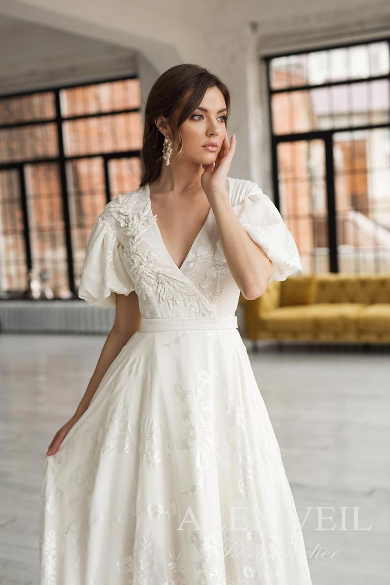 Wedding Dresses Exceptionally Dreamy Fashion Posts To Regard Here Silk Wedding Dress Wedding Dresses Tea Length Wedding Dress