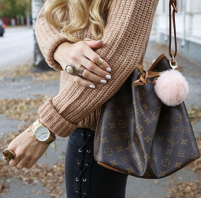 ef90e2783c3e1 Louis Vuitton Petit Noe Vintage Old Model   less vachetta