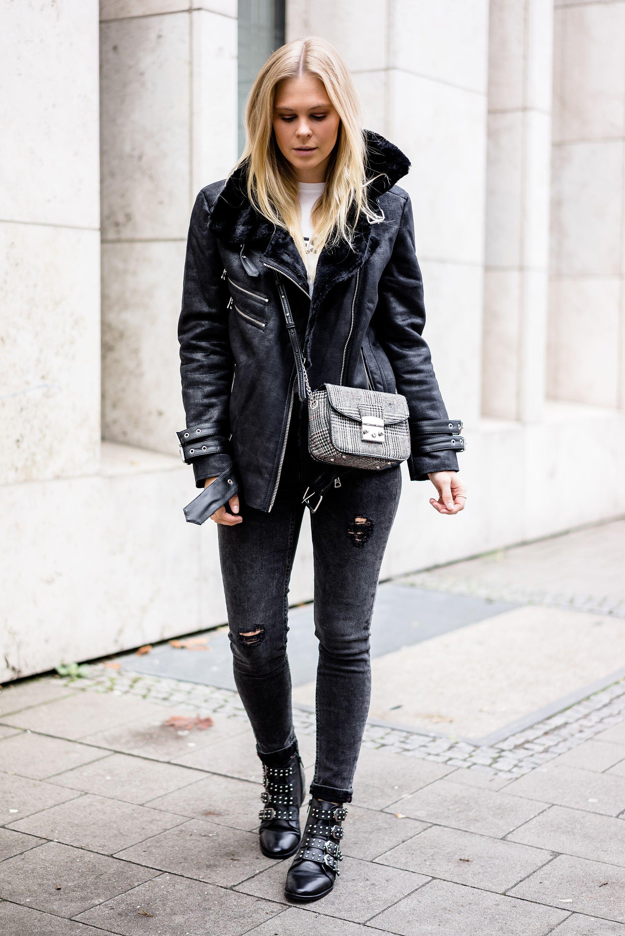 Schwarze jeans jacke mit fell