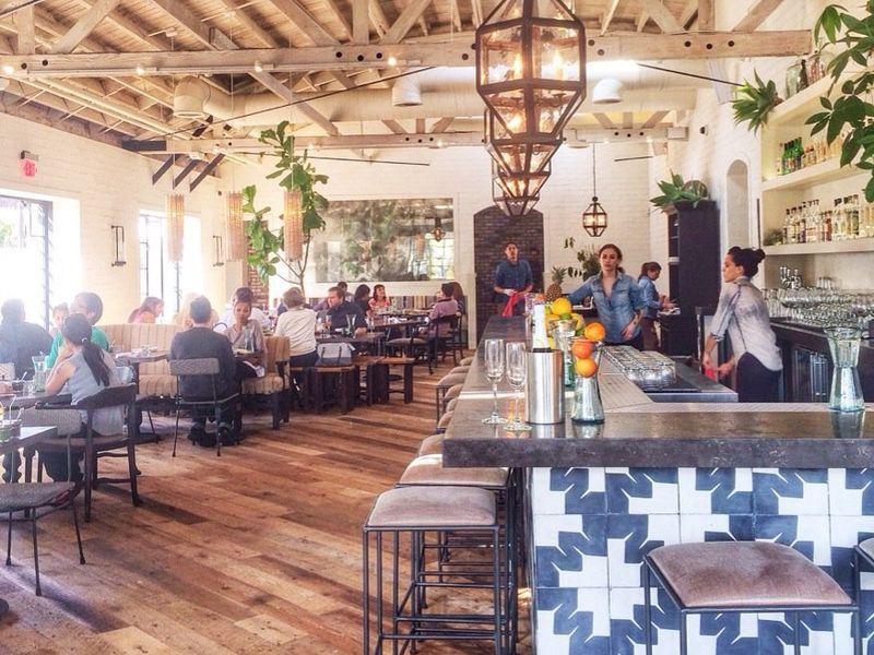The Essential Vegetarian Restaurants In Los Angeles Vegetarian Restaurant Best Vegetarian Restaurants Restaurant