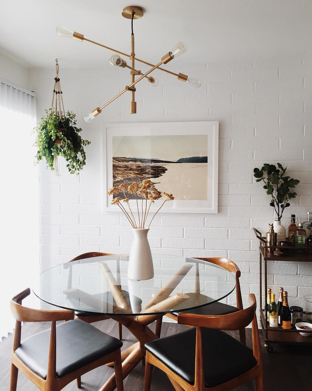 """robert & christina on Instagram: """"A little dining room progress, ft artwork from @minted. More on the blog. (Link in profile) ✨ @liketoknow.it www.liketk.it/1M6sA #liketkit #newdarlingsathome"""""""