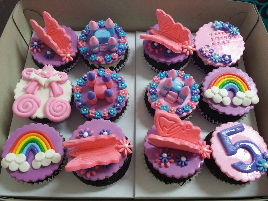 Cupcakes With Colorful Topper