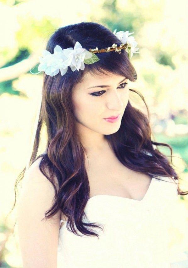 Lindo y sin esfuerzo peinados de flor Fotos de ideas de color de pelo - Wedding Hairstyles With Flower Crowns | Woodland wedding ...