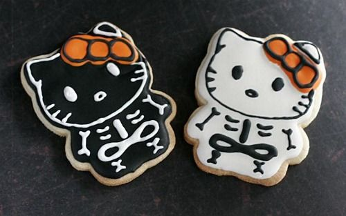 Pin by Alyssa Hoskins on Halloween obsession! Pinterest Hello kitty - hello kitty halloween decorations