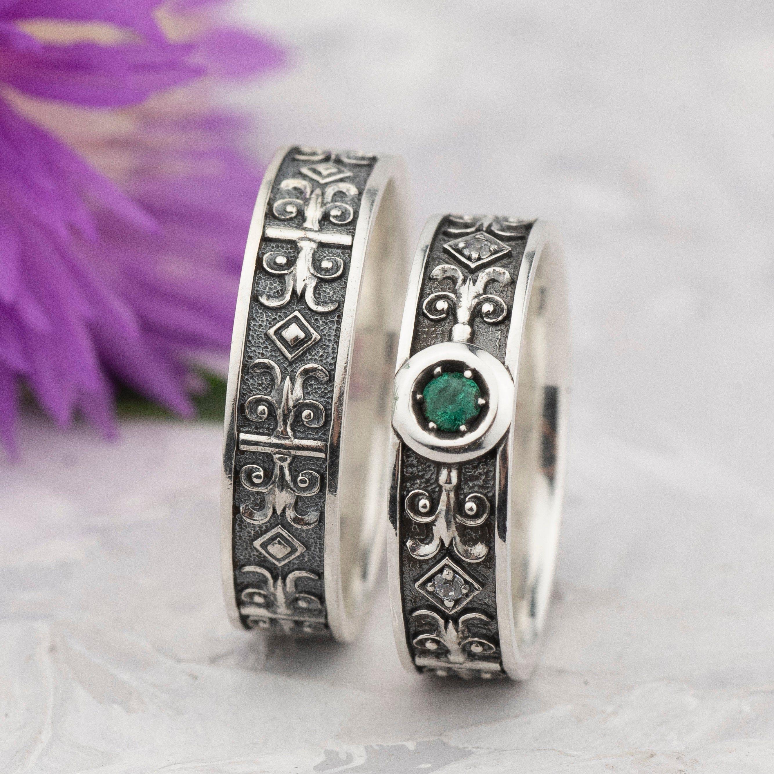Natural Emerald Wedding Ring Set Unusual Wedding Ring Etsy Emerald Wedding Rings Set Unusual Wedding Rings Emerald Wedding Rings