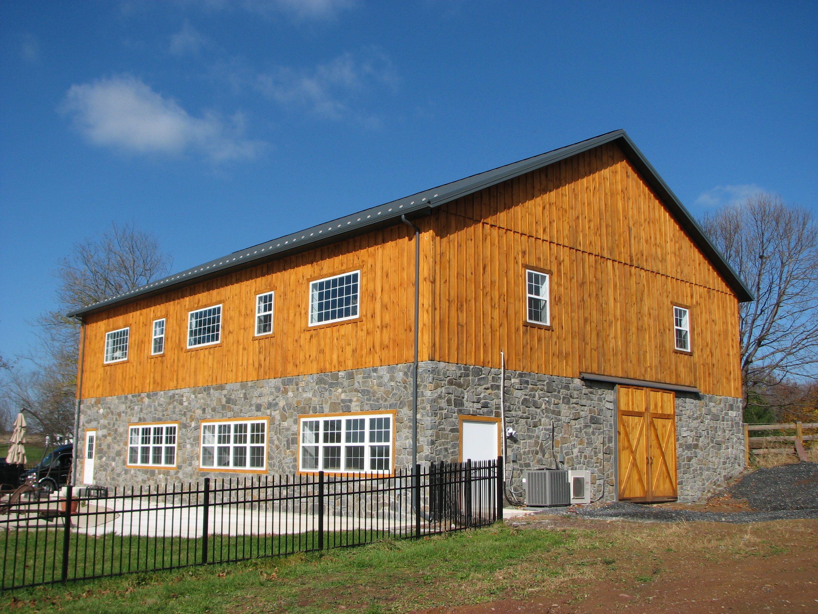 Conestoga buildings pole barns and post frame for Steel pole house designs