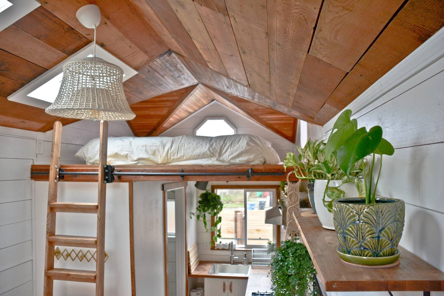 20 Tiny Houses in Oregon You Can Rent on Airbnb in 2020