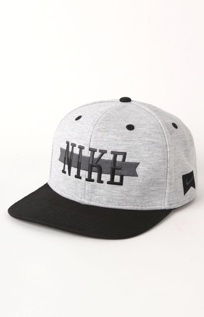 Es una gorra. Me gusta la gorra porque los colores. Es bonita ... 090df6fc11d