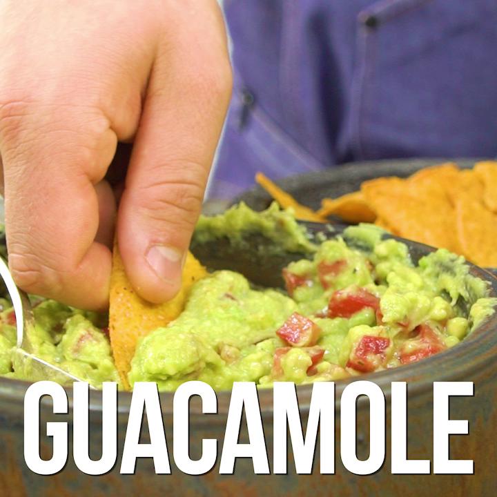Hola! Hier kommt das höchste der Avocado-Gefühle: Guacamole.  #avocado #rezept #gesundessen #essen #kochen