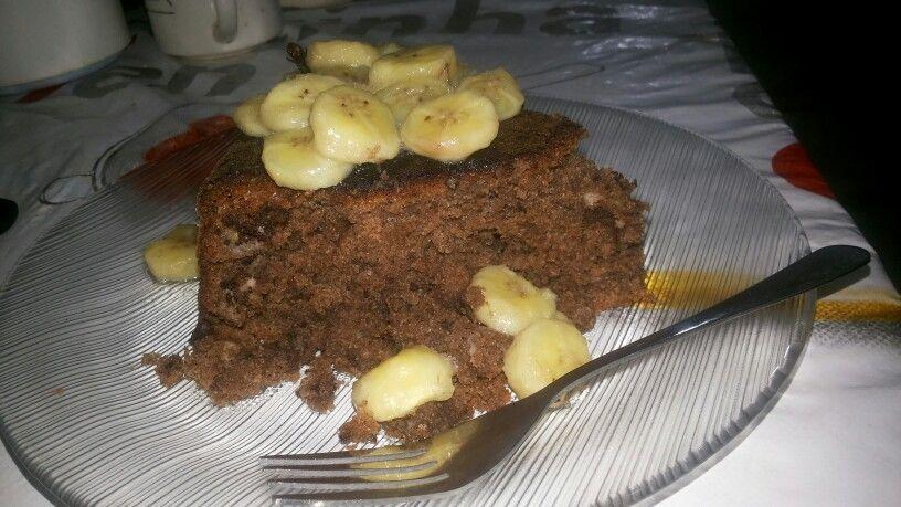 Bolo de chocolate com banana. Eu que fiz!
