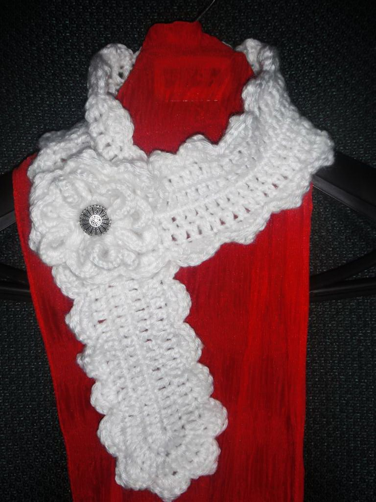 Crochet Pattern - Scallop Edge Neckwarmer Scarf. www.sewtown.etsy ...