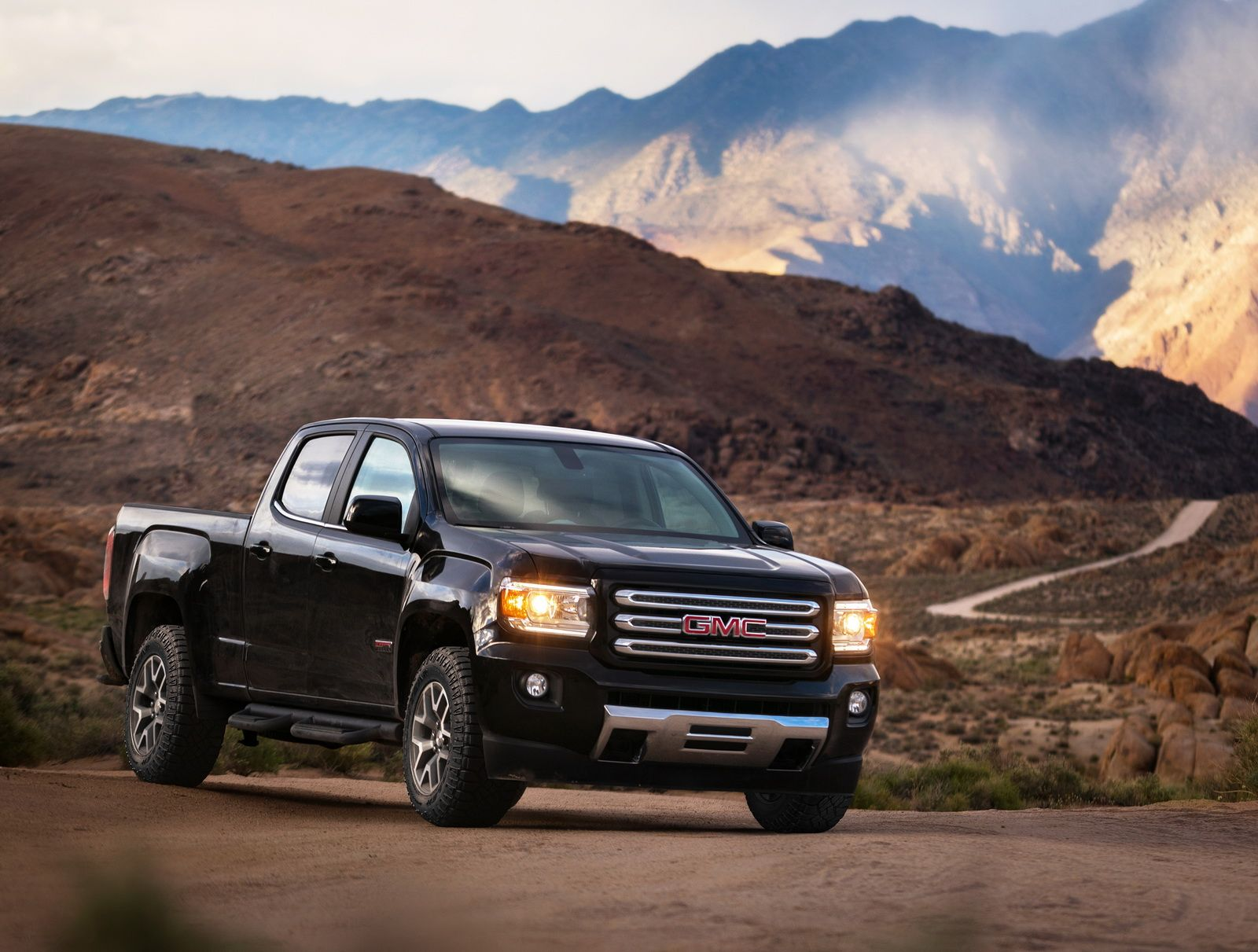 Gmc Canyon Enters 2017my With New V6 8sp Auto And All Terrain X