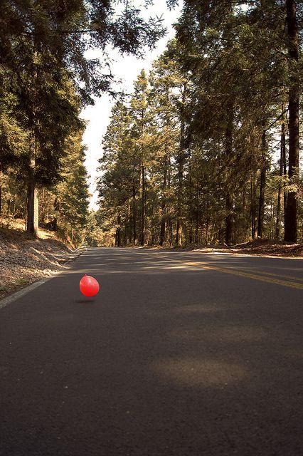 Red balloon by Vapparat, via Flickr