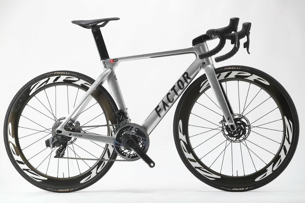 ファクター One 双胴ダウンチューブ ヒンジヘッドチューブ ブランドを象徴するエアロロード Factor 2020モデル総力特集 Vol 3 Cyclowired 自転車 ロードバイク ツーリング
