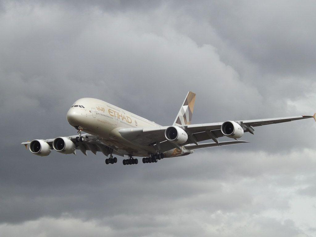 طيران الاتحاد تستأنف رحلاتها إلى بعض الوجهات في 5 أبريل Passenger Jet Passenger Aircraft