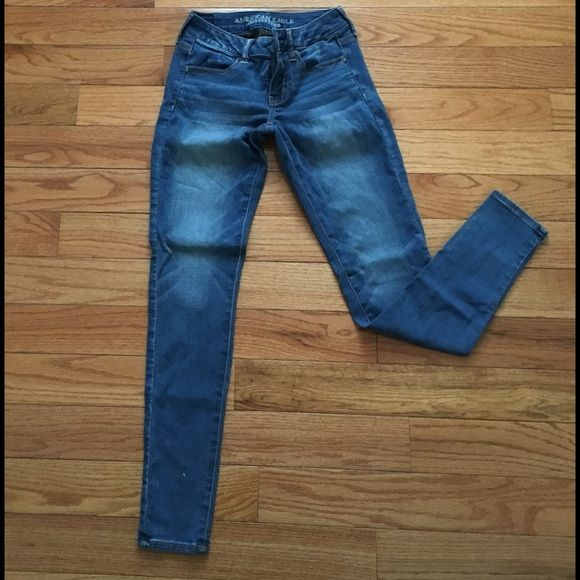 American eagle Jegging Jeans Super Super stretch soft skinny light weight Jeggings. Excellent condition American Eagle Outfitters Jeans Skinny