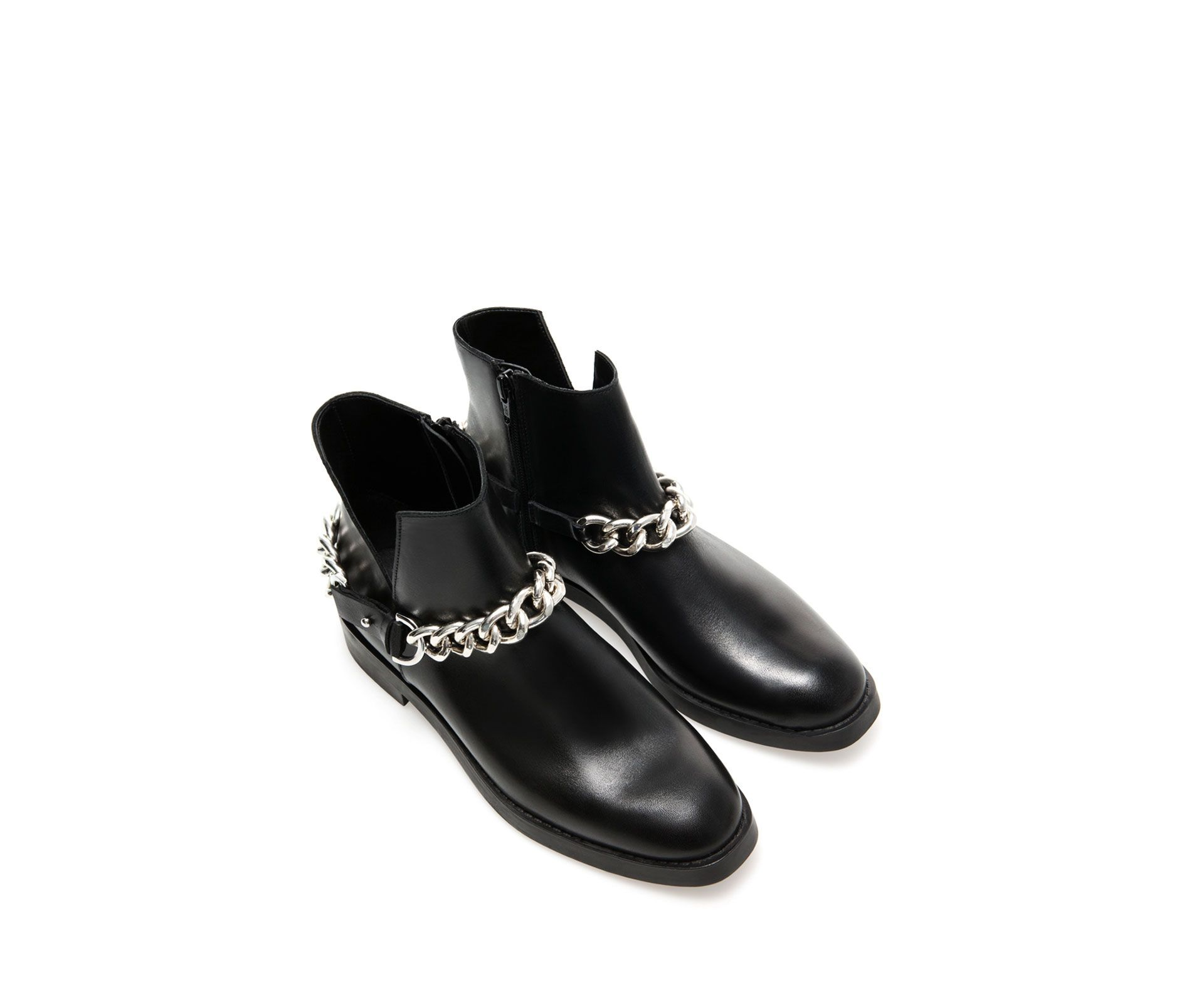 faed413a1dc ZARA - NEW COLLECTION - FLAT LEATHER ANKLE BOOT WITH CHAIN DETAIL ...