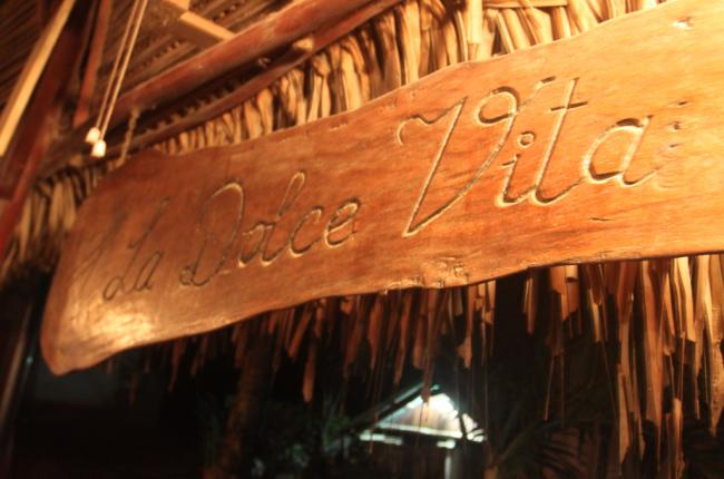 la dolce vita sign   - Costa Rica