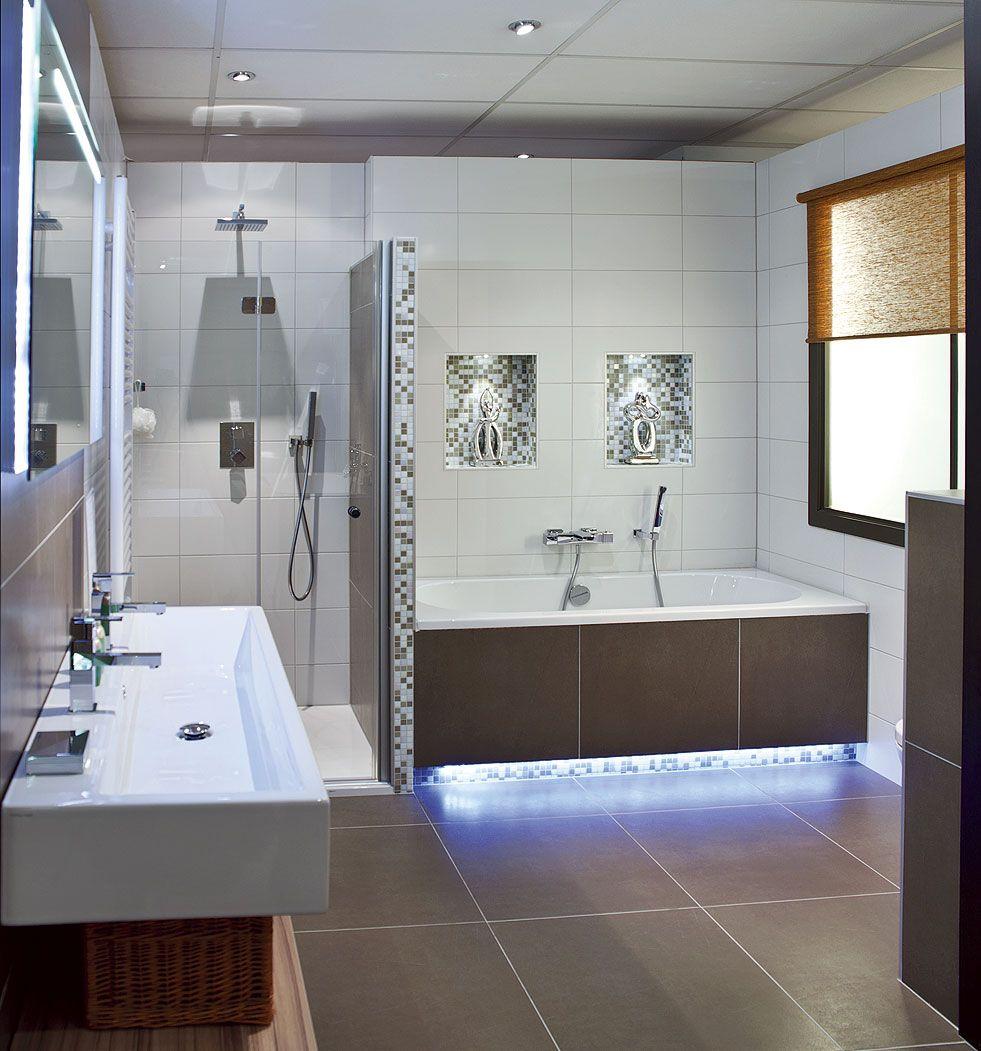 Badkamers badkamer kopen satink keukens badkamers trendrapportage slaap en wellness - Bed kamer ...