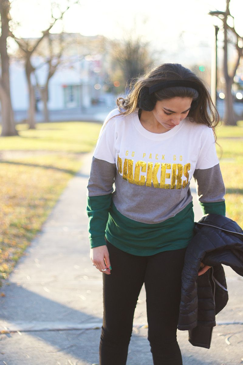 pretty nice 2e98e f172e How to Stay Warm on Game Day with NFL Shop | Lauryncakes ...