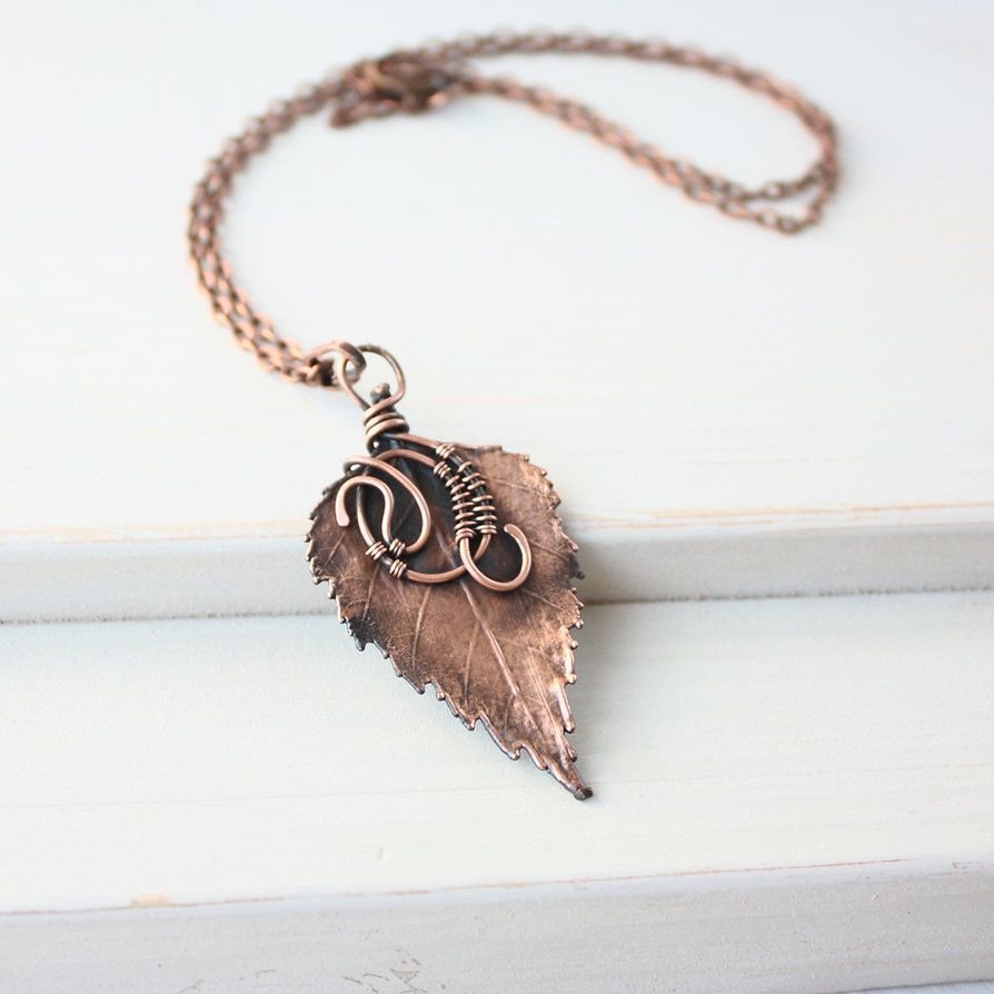 Pendant made of wire and real copper-plated birch leaf. Copper ...