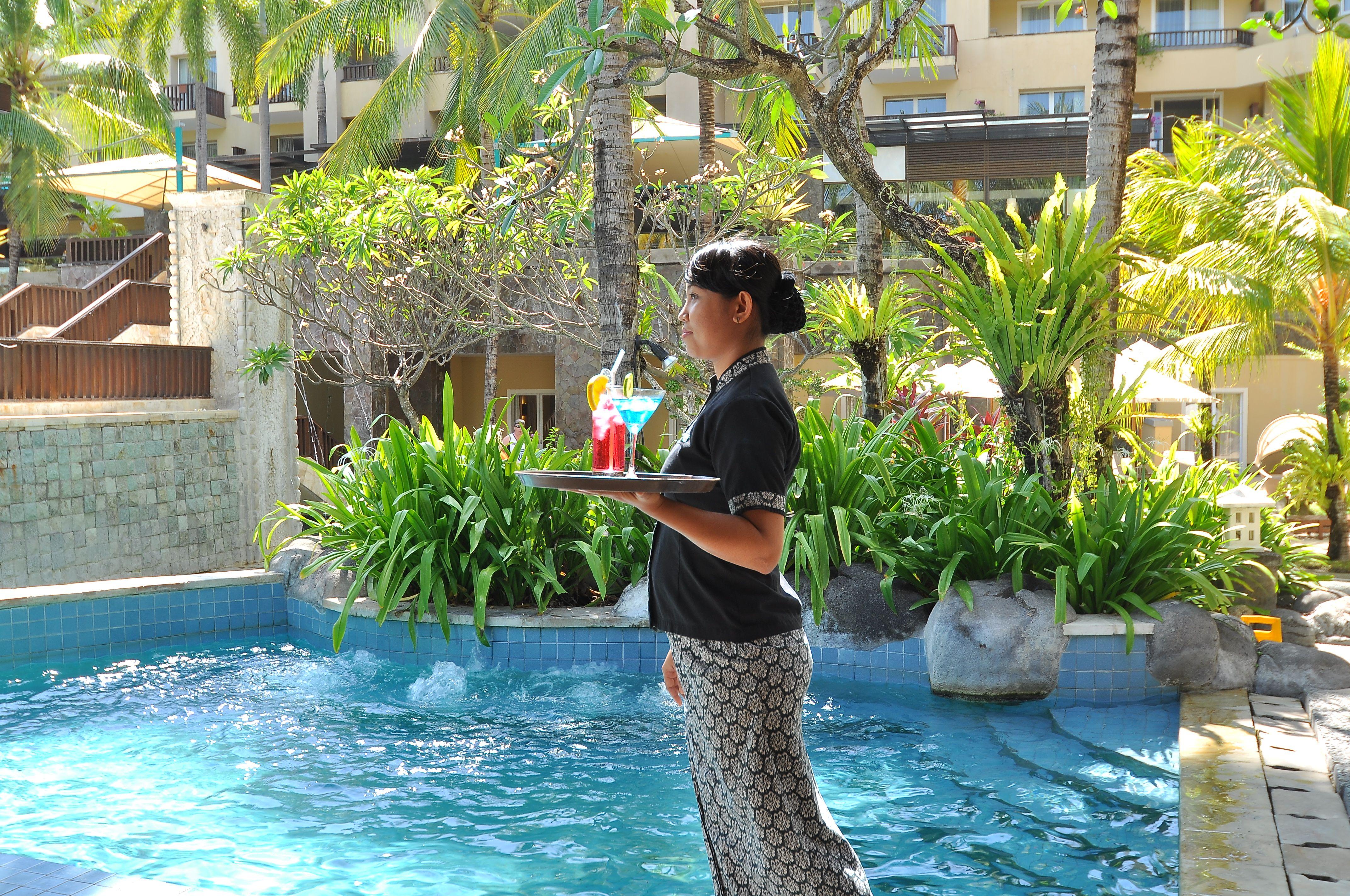 Laguna Pool Bar @ Kuta Paradiso Hotel Bali (*my™) in Denpasar, Bali ...