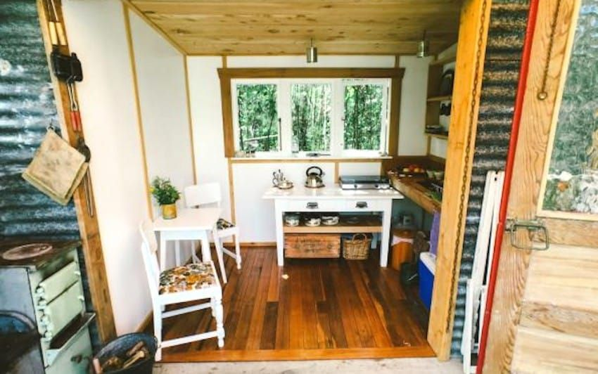 This Tiny Cabin In New Zealand Takes Rustic Living To The Next Level ...