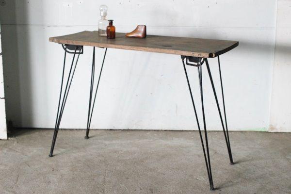 Tb526古材天板の鉄脚テーブル 折りたたみ式 作業台 無垢板 ヴィンテージ Diy ハンドメイド 什器 飾り台 アイアン 古道具タグボート 画像1 ヴィンテージ Diy 折りたたみ式作業台 テーブル