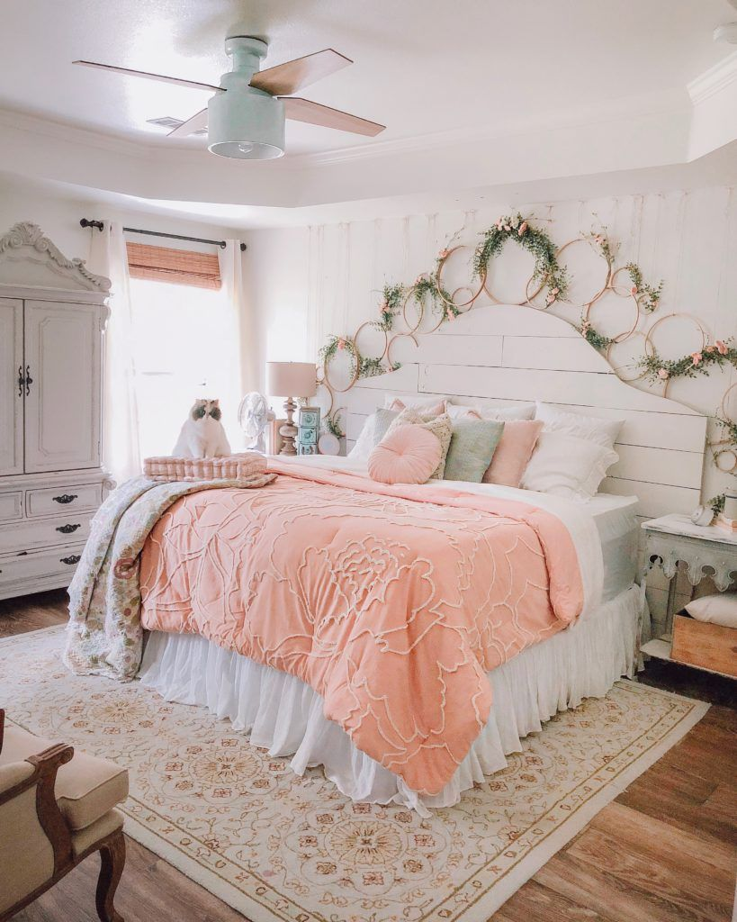 How to Decorate from Summer Into Fall Bedroom decor