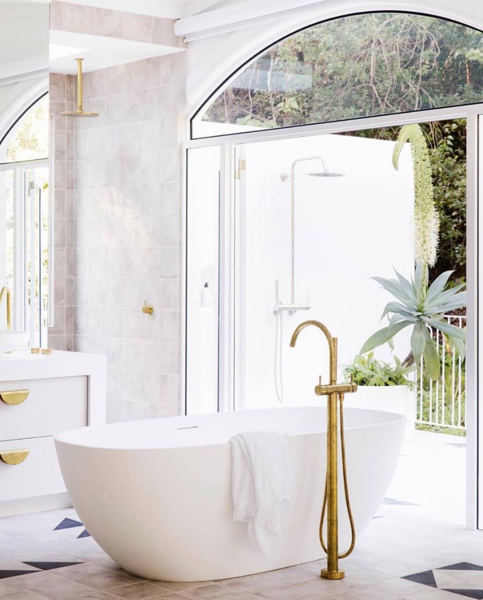 Luxe Bath Towel In 2020 Coastal Style Bath Towels Luxury