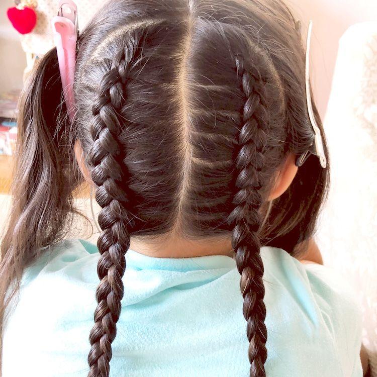 フィッシュボーンと編み込みの編み下ろしヘアアレンジ 女の子のママ必見 子供のヘアアレンジ 女の子 髪型 アレンジ ディズニーヘアスタイル ヘアアレンジ