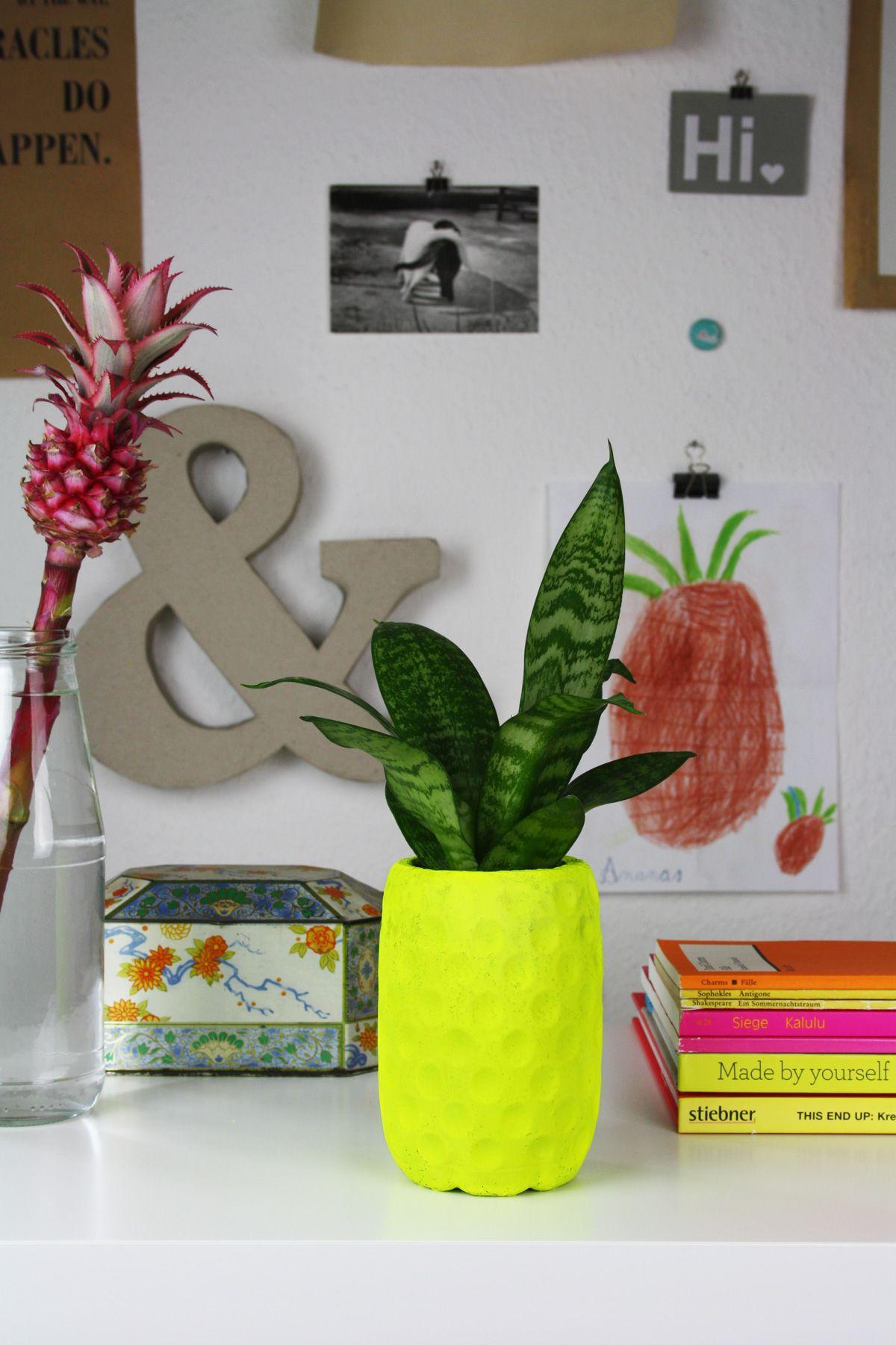 Hallo piepmatz diy neongelber ananas blumentopf aus for Deko ideen blumentopf