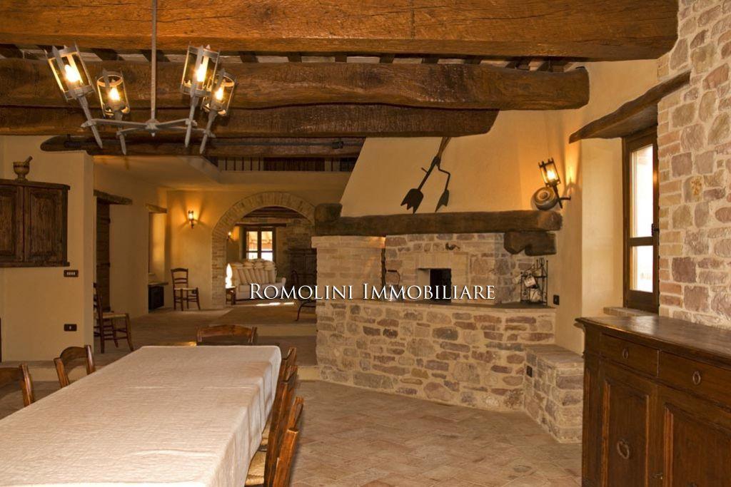 Interni Rustici Ristrutturati : Risultati immagini per interni rustici in pietra interni