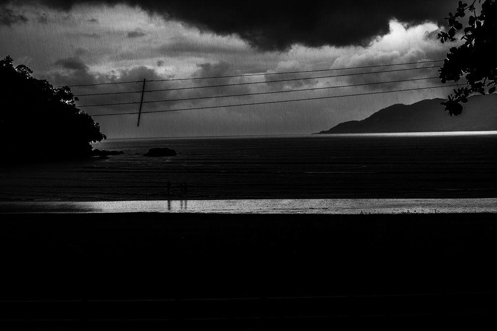 https://flic.kr/p/kYEGpr   Você não veio e a chuva se foi..   Ubatuba, março 2014 ©Valéria Mendonça