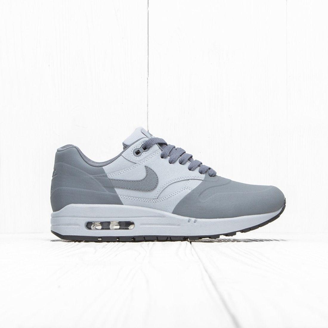 858876-001, Mens Sneakers Nike