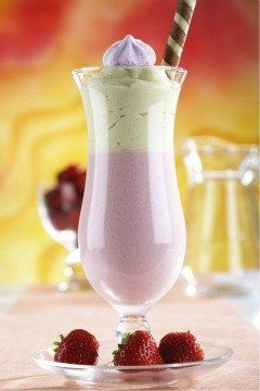 Frullato di banana e fragole con yogurt bianco