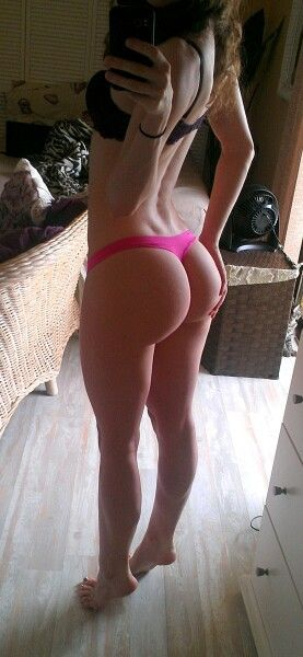 Sext fitness chick with a booty nude — pic 10