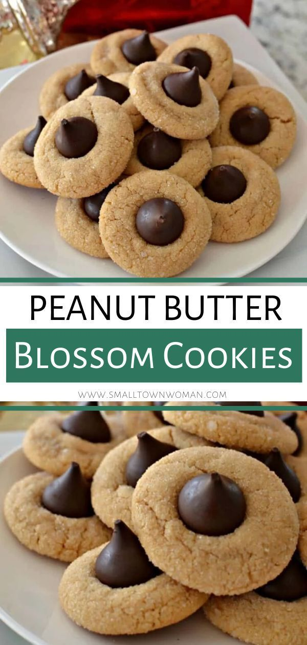 These chewy Peanut Butter Blossom Cookies are the perfect holiday dessert for your parties! This del #peanutbutterblossomcookies