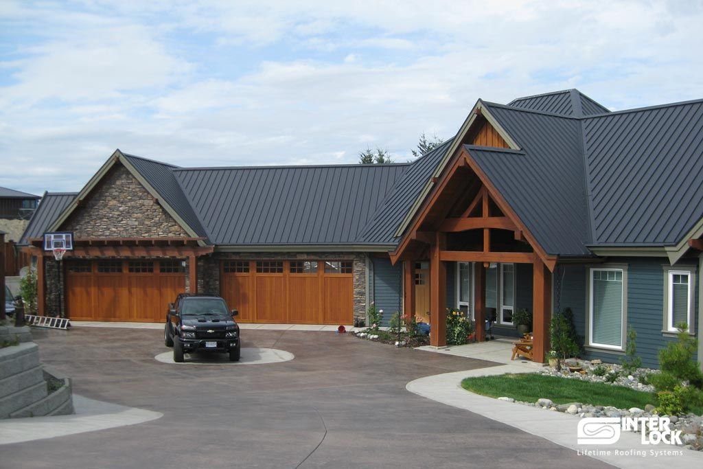 Best Charcoal Grey Interlock Standing Seam Installation From Campbell River Bc Installed By 640 x 480