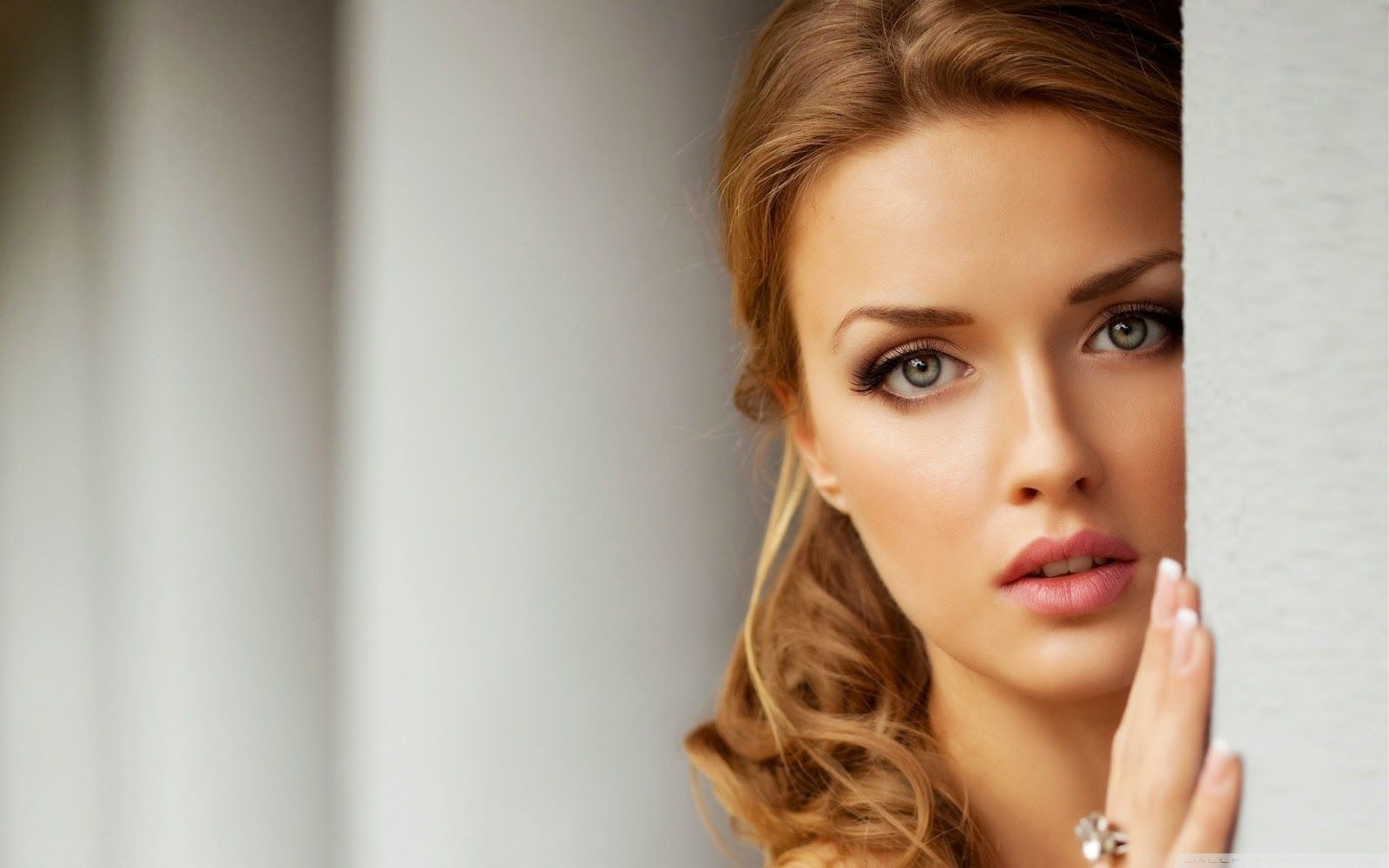 Plus Belle Femme Du Monde Sans Maquillage جمالك1 مشاكل البشرة الحساسة وطرق التعامل معها Beautiful Girl Face Beautiful Girl Hd Wallpaper Beautiful Girl Wallpaper