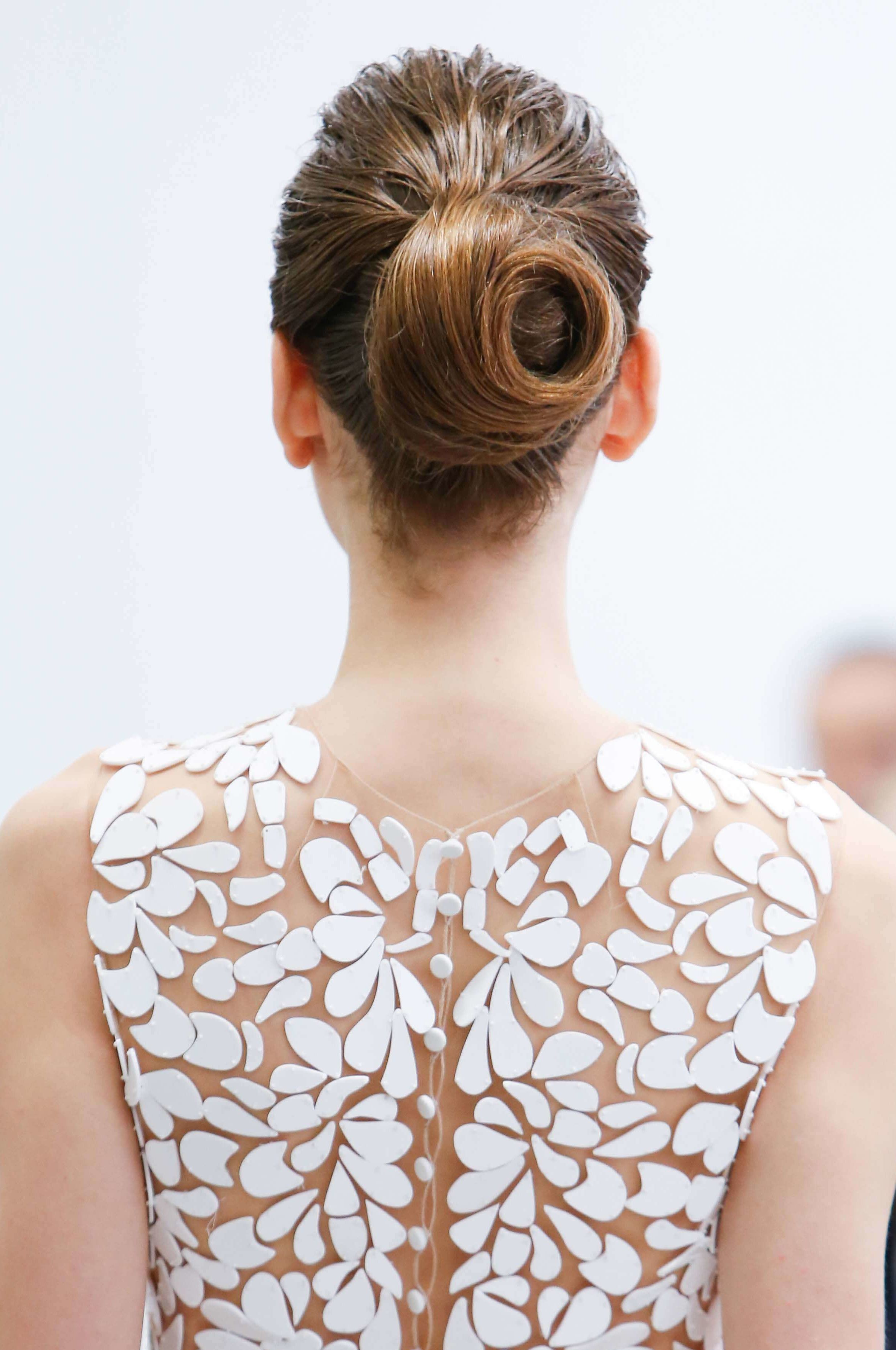 3 Elegant wedding hairstyles for medium hair | All Things Hair - From hair experts at Unilever