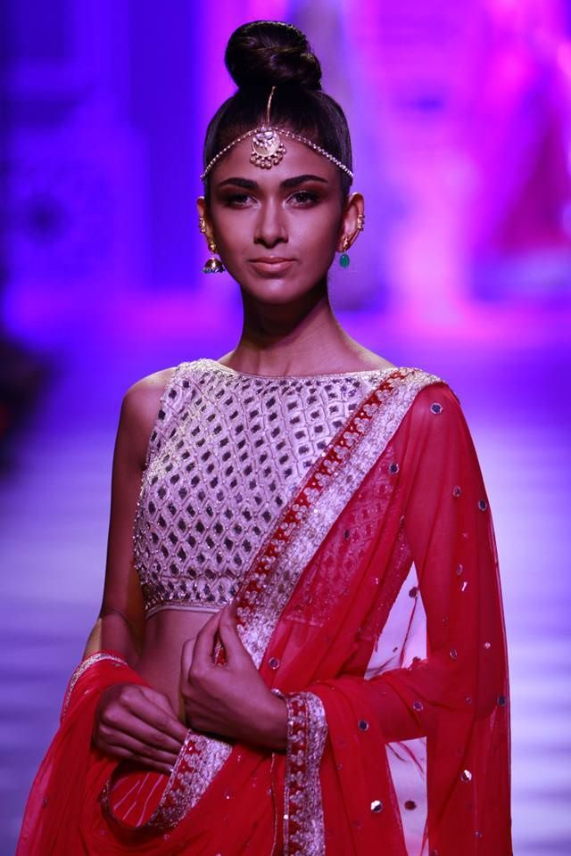 #Bridal #Outfit by #AnitaDongre #Red #Mirror #Glossy #Makeup #Bride #Modern #Beautiful #Accessories #LakmeFashionWeek