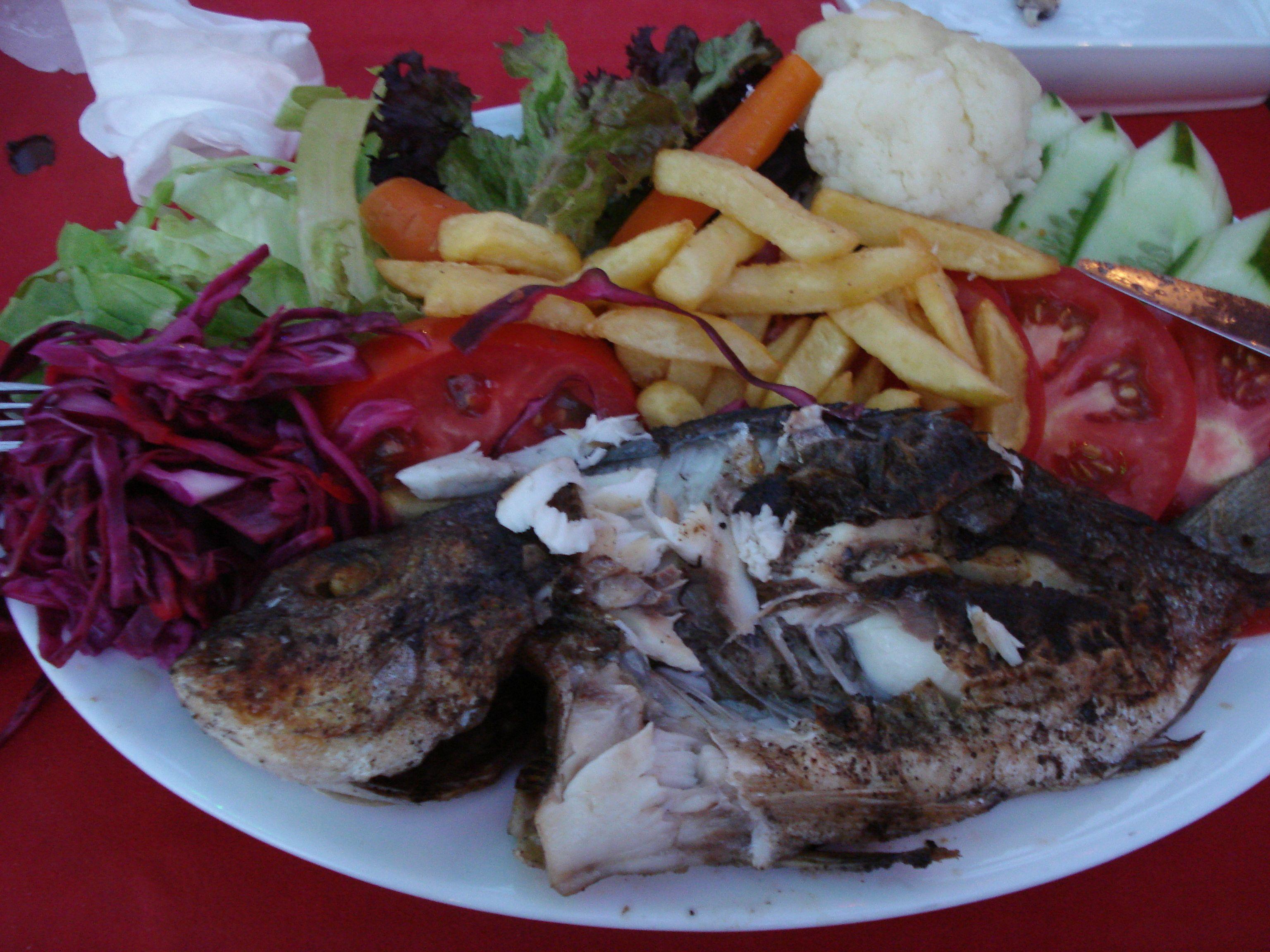 Grilliruokaa Turkissa.