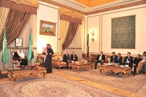 بحضور أول رائد فضاء عربي قطان يقيم ملتقى رياض النيل الدبلوماسي Places To Visit Places Home Decor
