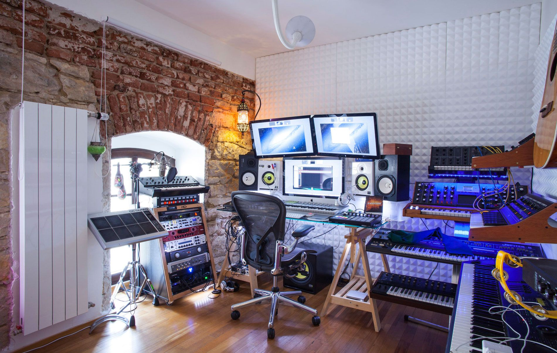 Home recording studio google search home recording for Bedroom recording studio